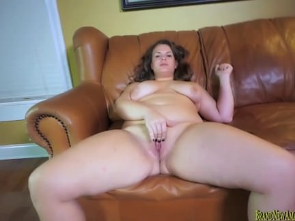 Bigtit amateur slut masturbates and sucks cock at casting